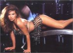 Carmen Electra surplace